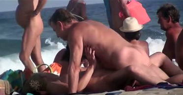 Beach swinger video