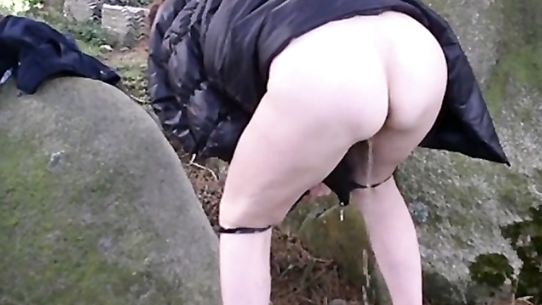 Amateur lets her husband go in the brown for valentines - 2 part 10