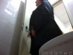 Big butt mature woman shitting in spycam toilet video