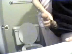 Quick handjob in the bathroom makes me cum lustily