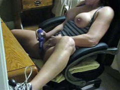 Fit babe masturbates and squirts at her desk