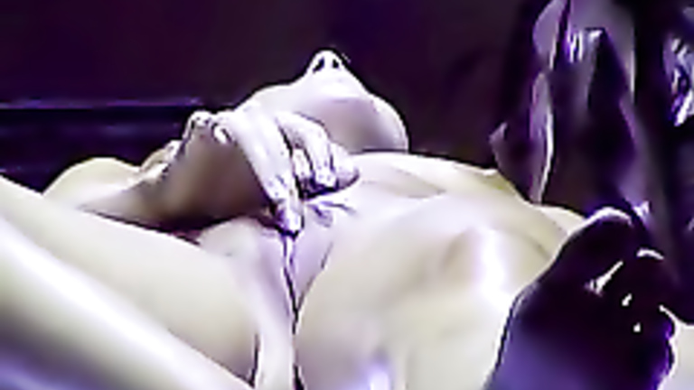 Girl Masturbating In Tanning Bed