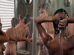 Dina Meyer topless in Starship Troopers scene