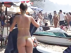 Smoking hot lookers enjoys having some fun at the beach