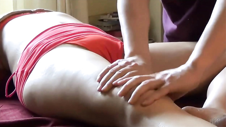 Most sensual massage for her juicy thighs