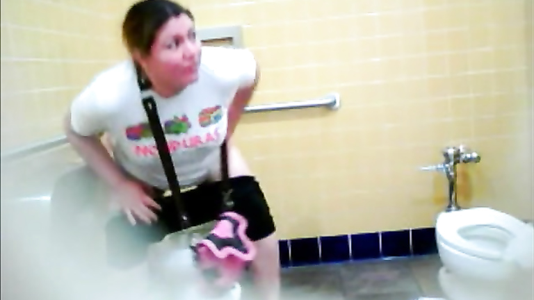 Pretty fat mommy enjoys pooping hard in the ladies room