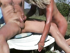 Experienced blonde milks her friend with ease