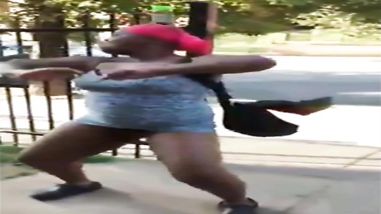 Black fattie shows off her chubby bottom