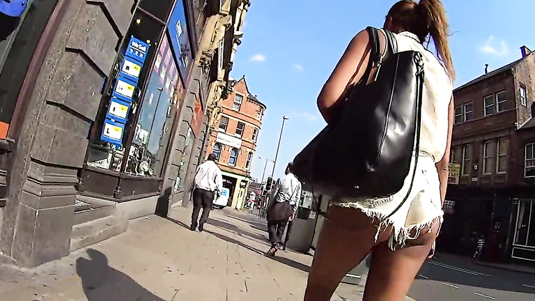 Following her tantalizing ass through the city