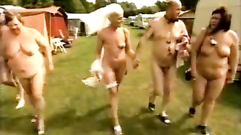Nude wedding is the best kind of marriage ceremonies!