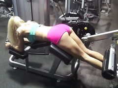 Bootylicious blonde works out in the gym