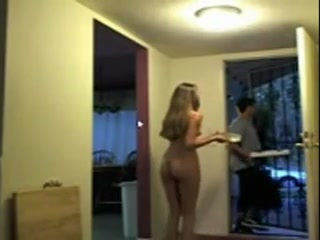 Gorgeous naked cutie flashes the pizza delivery guy