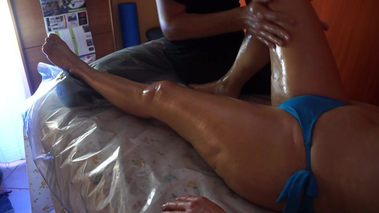 My wifey has her chubby legs rubbed really hard