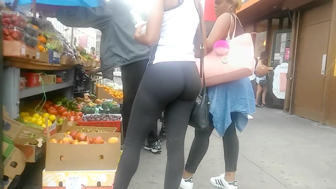 Smokin' black cutie with a big butt wears really tight sweatpants