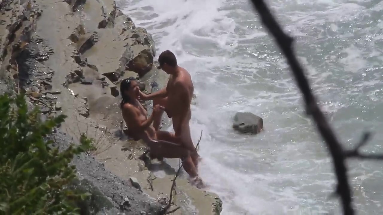 Raunchy dude has his large dick sucked on at the beach of Crimea