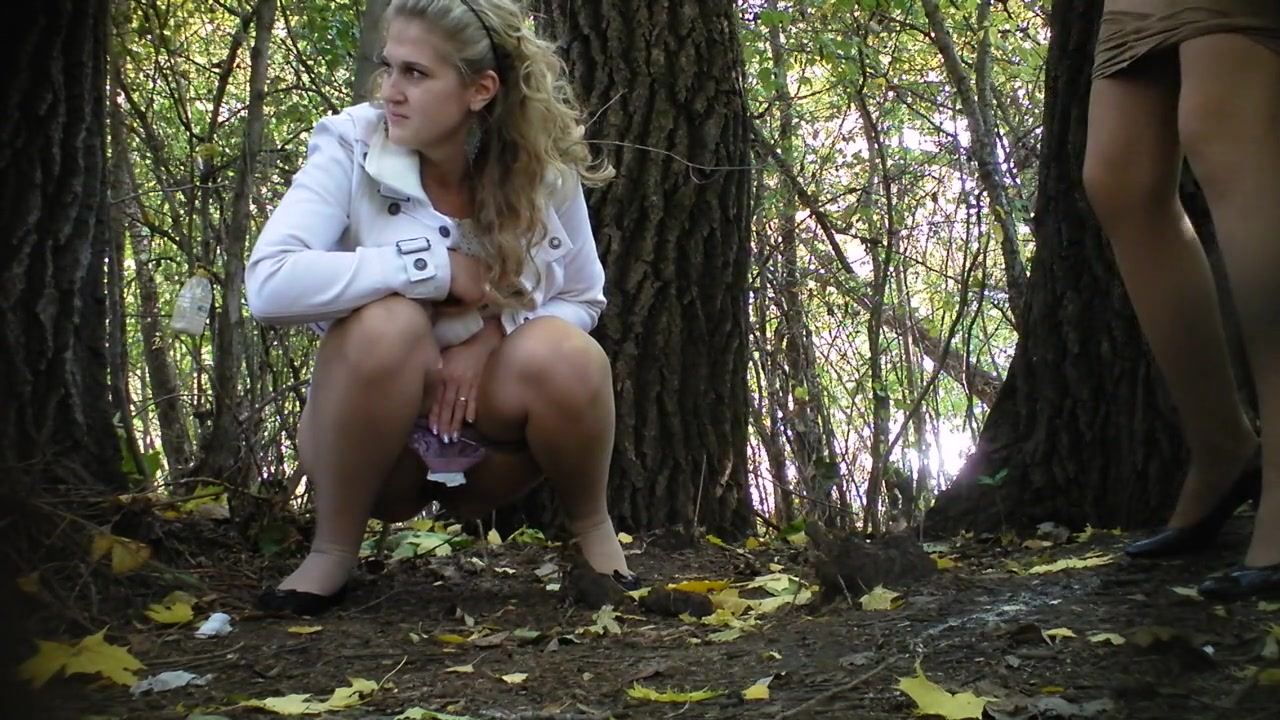 Girls pissing outdoor movies