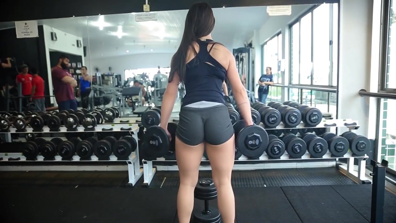 Fit stunner with a huge ass works out like crazy in the gym