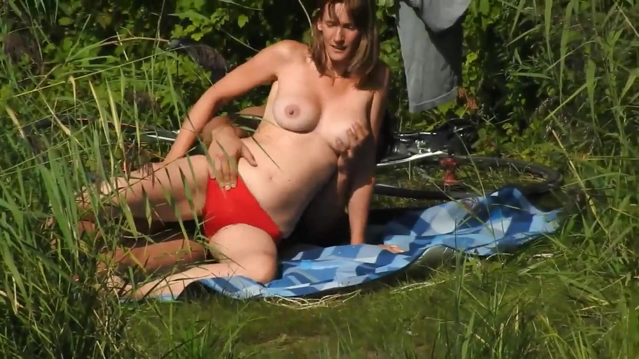 Beautiful wife with natural boobs gets a painful anal in the bushes