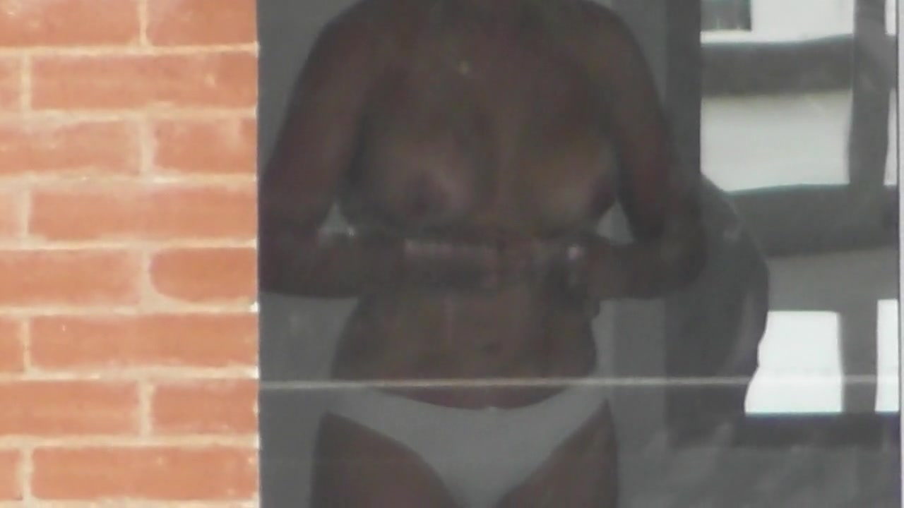 girl window naked through