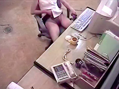 Morning masturbation with amateur at the office
