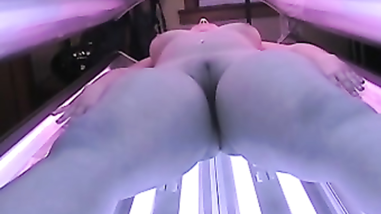 tanning nude salon the at