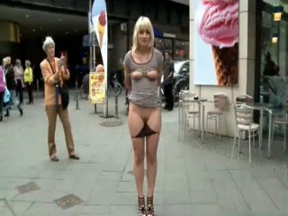 Exposing wife naked in public — img 1