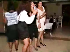 Tanzanian party chicks dance with their asses out