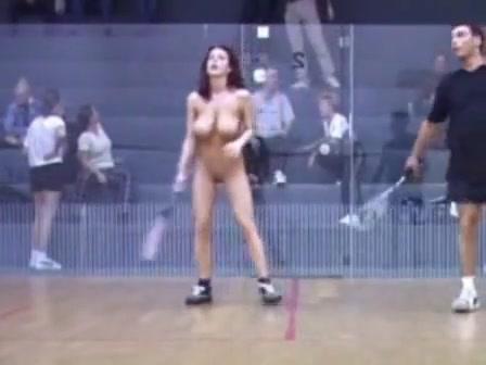 nude babe plays squash like a pro voyeurstyle com