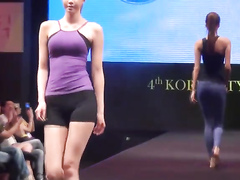 Hot models wearing the new yoga outfit collection