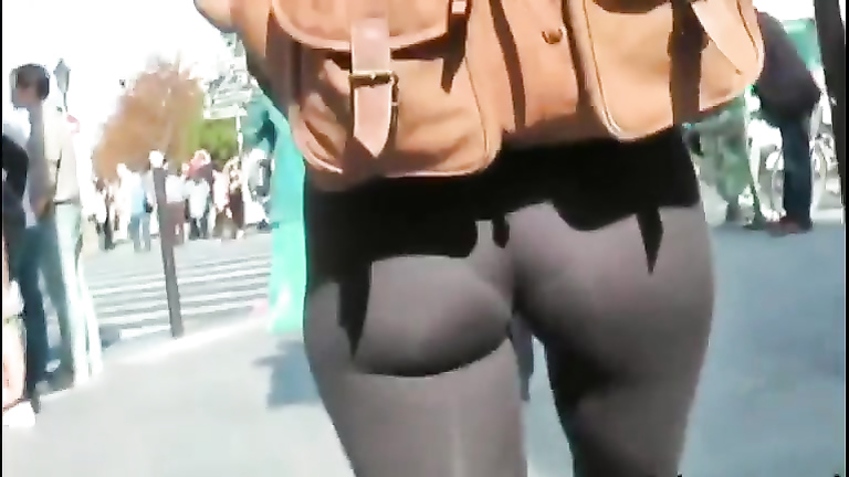 Second skin spandex pants on a girl in public