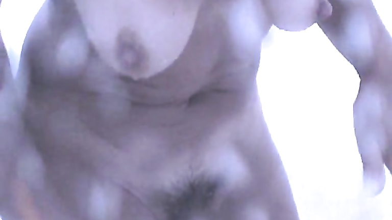 Saggy tits and a nice clitoris in the shower