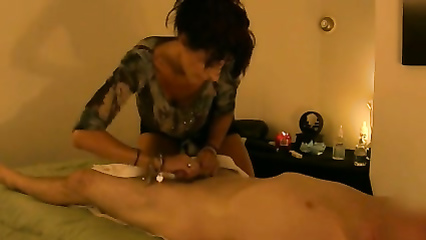 Skilled masseuse rubs him down and jerks him off