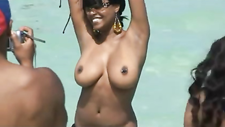 tits Black girls flashing