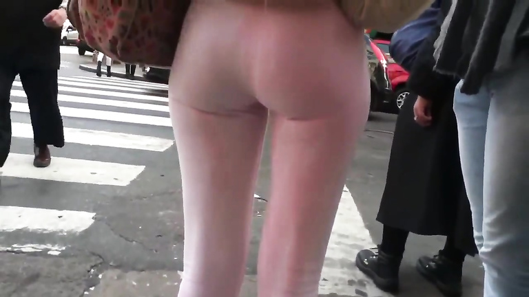 Her booty is true perfection in pink spandex