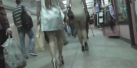 Secret camera goes under the skirt