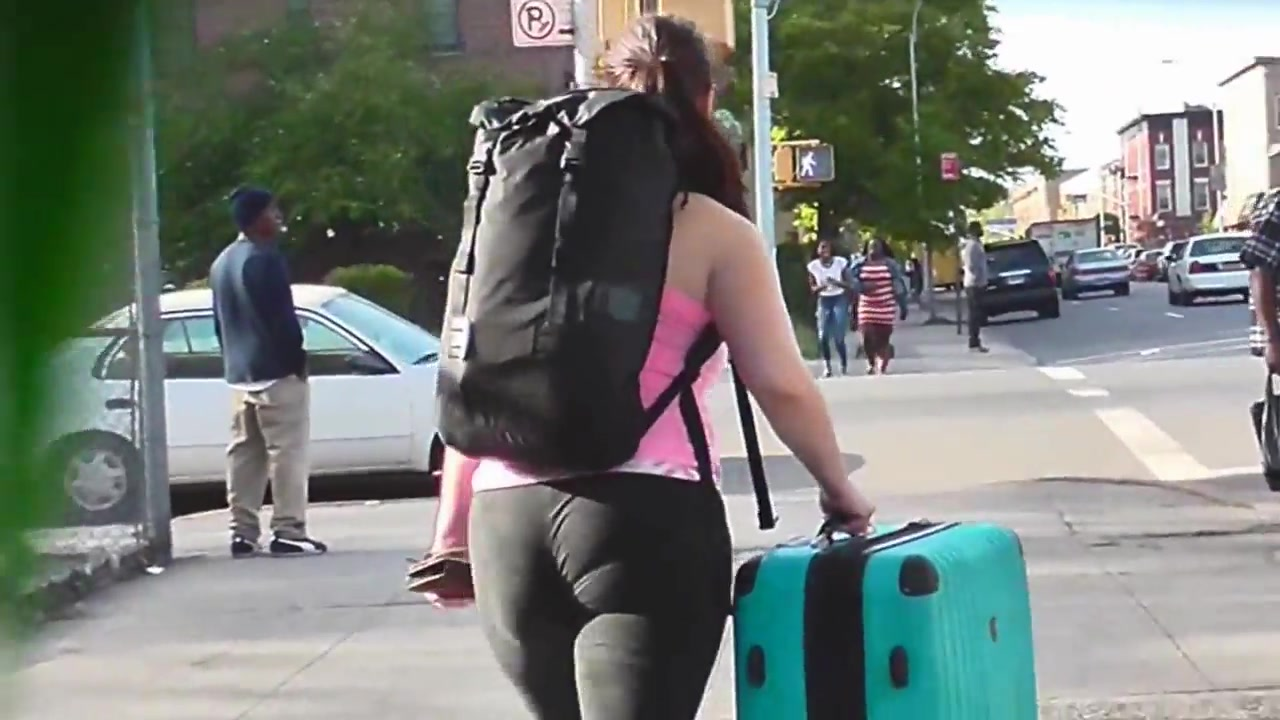 Fat ass in spandex on the streets of NYC