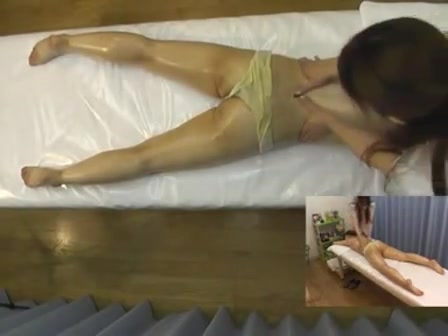 Relaxing therapy and orgasm for an Asian beauty