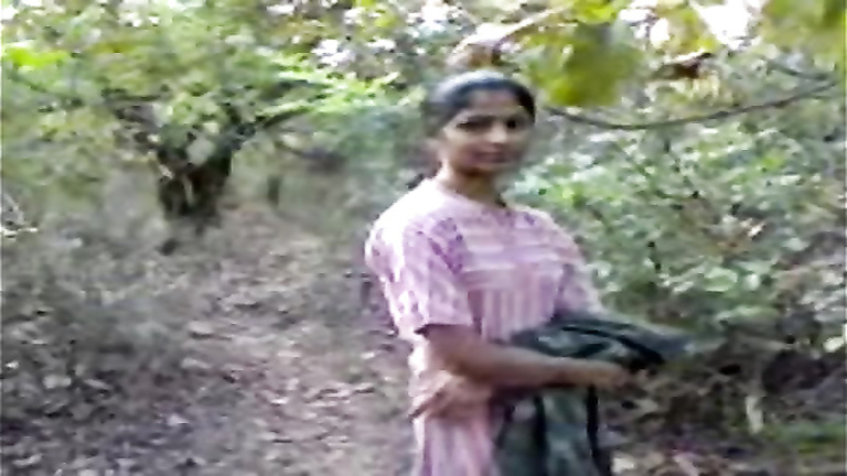 Sex and creampie in the woods with an Indian woman