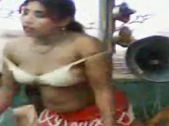 Dancing Pakistani girls expose so much sexy flesh