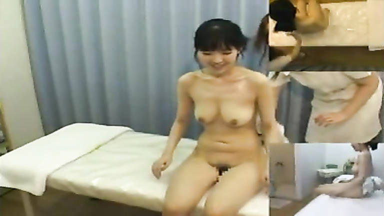 Asian oil massage with clit rubbing for the tired client