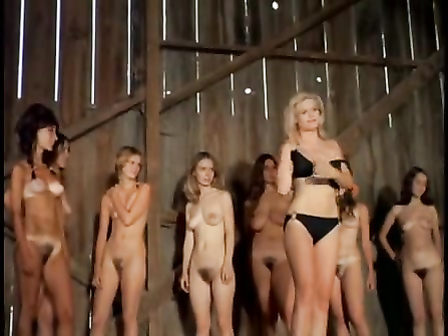 Vintage women strip and present their bodies in a barn