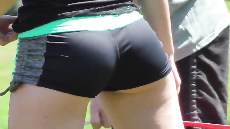Central Park volleyball cutie with a great ass