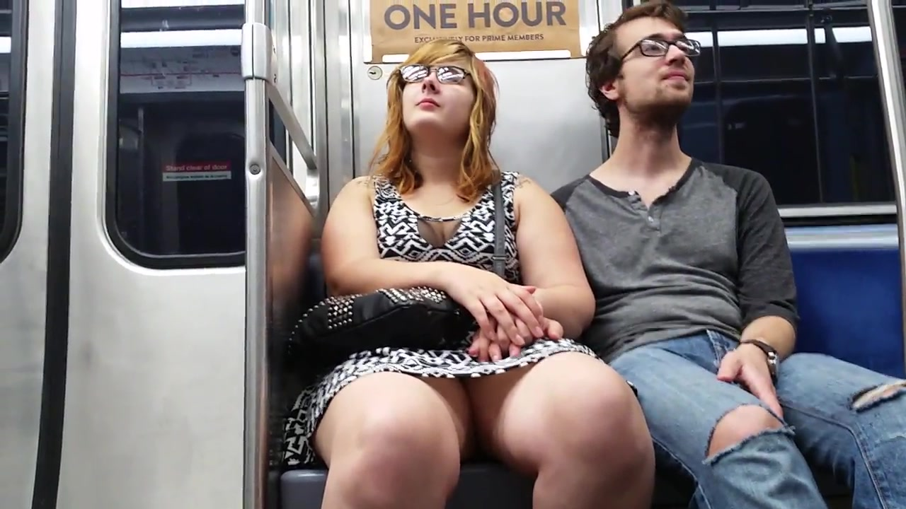 fat chick on the subway sits with her legs open | voyeurstyle