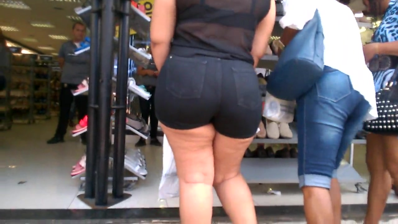 Perfect booty walking through the market