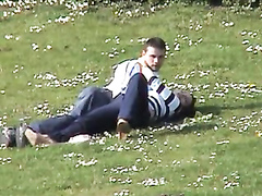 Handjob in the park for her lucky boyfriend