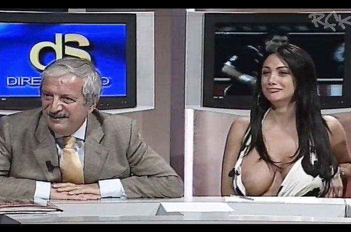 Mega size boob wants to be seen!