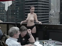 Girl goes nude in the prestigious restaurant