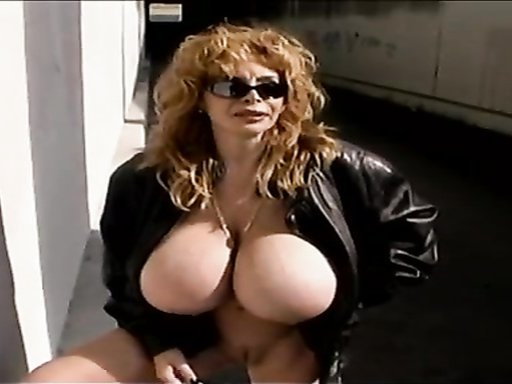 Milf exposes her huge tits in Los Angeles
