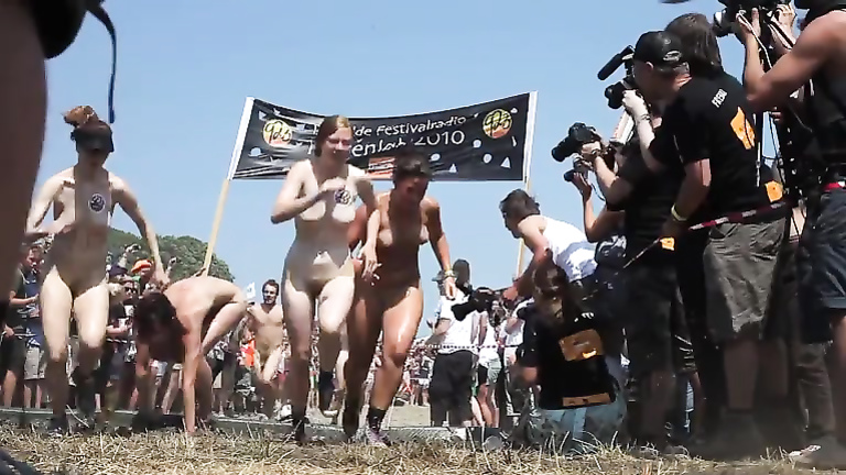 Nudist race with guys and girls running