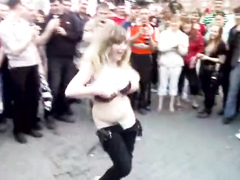 Curvy chick fondled as she dances in public